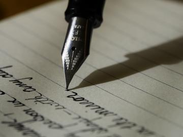 Writing with fountain pen